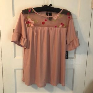 NWT Kristin Nicole blush blouse with floral mesh!